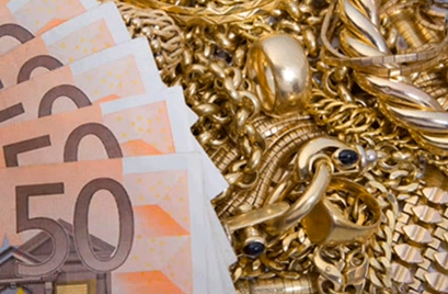 lingotti e monete al banco metalli come oro da investimento